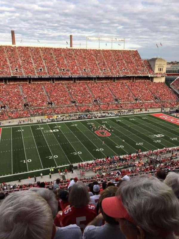 Ohio Stadium, secção: 17C, fila: 19, lugar: 1
