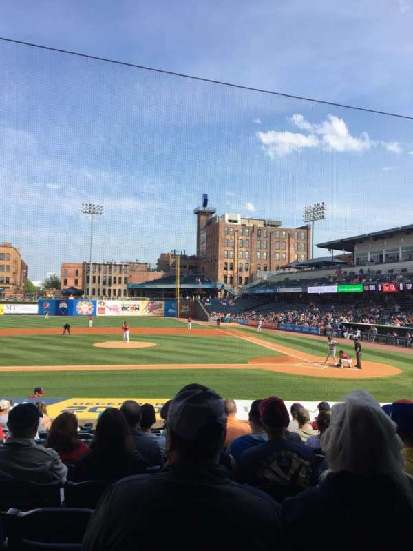 Fifth Third Field, secção: 107, fila: S, lugar: 10