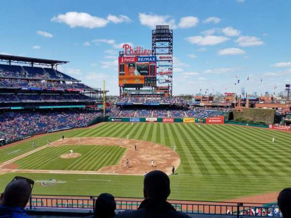 Citizens Bank Park, secção: 214, fila: 5, lugar: 8