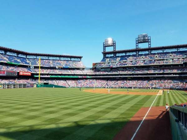 Citizens Bank Park, secção: 140, fila: 7, lugar: 5