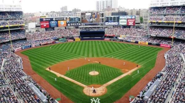 Yankee Stadium, secção: 420B, fila: 2