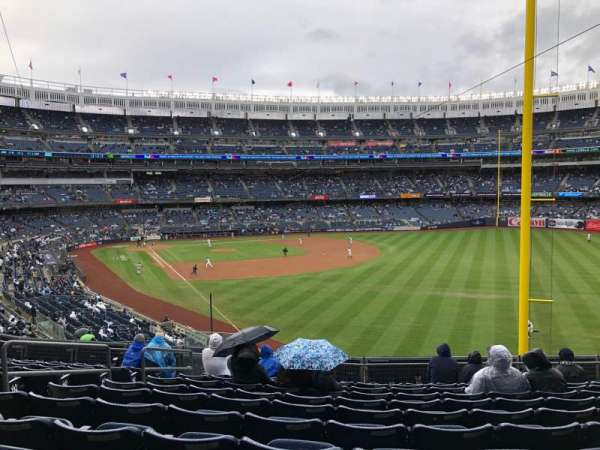 Yankee Stadium, secção: 208, fila: 11, lugar: 15