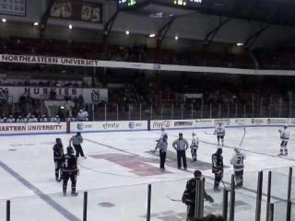 Matthews Arena, secção: 10, fila: E, lugar: 12