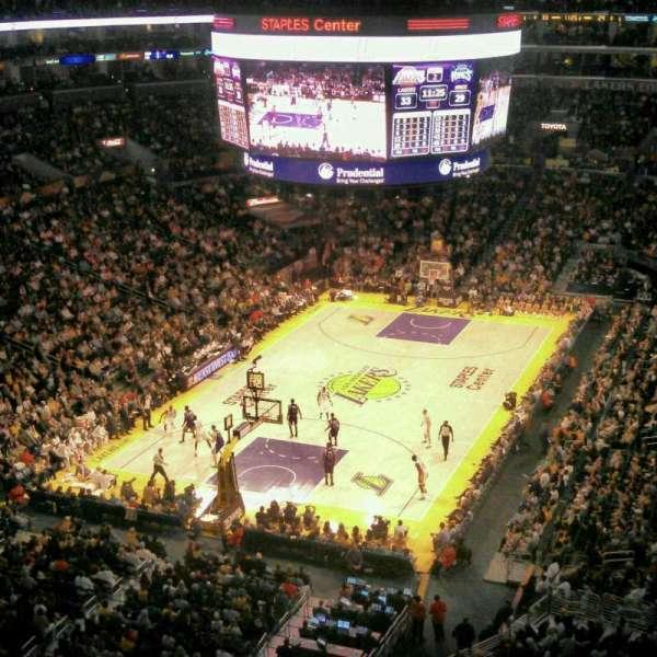 Staples Center, secção: 324, fila: 1, lugar: 10