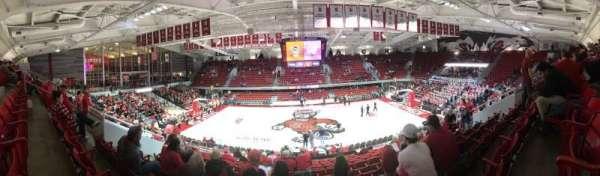 Reynolds Coliseum, secção: 211, fila: Q, lugar: 9