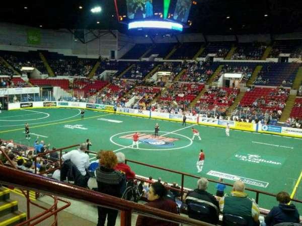 UW-Milwaukee Panther Arena, secção: 306, fila: 4, lugar: 1
