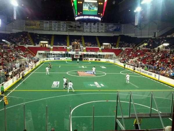 UW-Milwaukee Panther Arena, secção: 317, fila: 1, lugar: 2