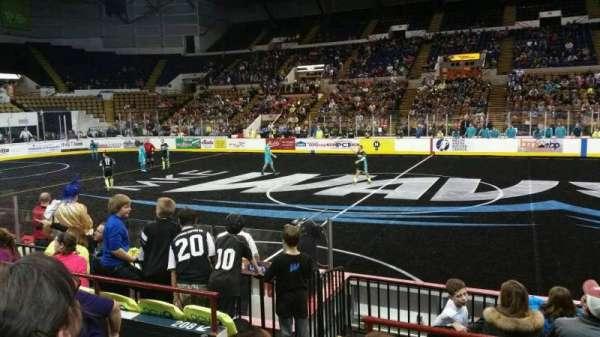 UW-Milwaukee Panther Arena, secção: 207, fila: 4, lugar: 10
