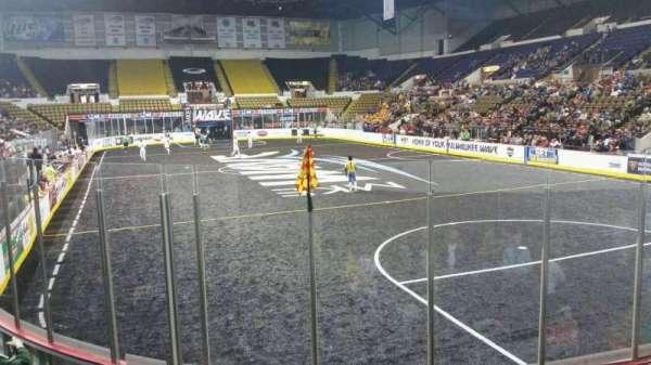 UW-Milwaukee Panther Arena, secção: 217, fila: 1 , lugar: 12