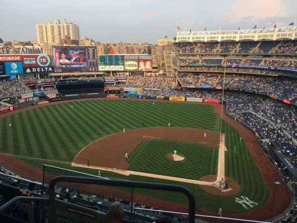 Yankee Stadium, secção: 422, fila: 4, lugar: 17
