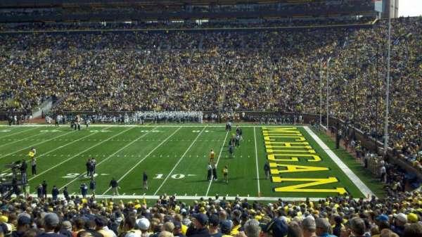 Michigan Stadium, secção: 20, fila: 45, lugar: 23