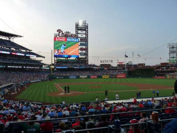 Citizens Bank Park, secção: 120, fila: 22, lugar: 11