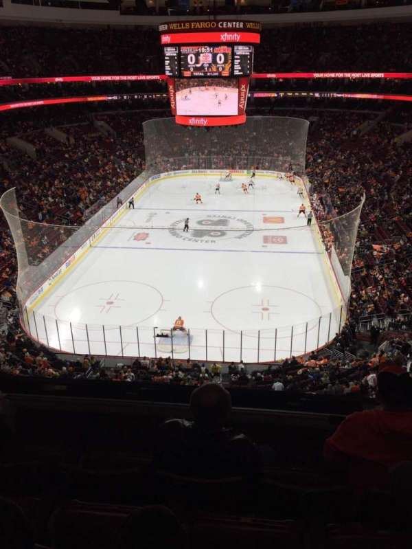Wells Fargo Center, secção: 219A, fila: 4, lugar: 7