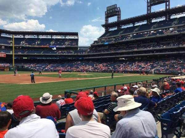 Citizens Bank Park, secção: 134, fila: 10, lugar: 4