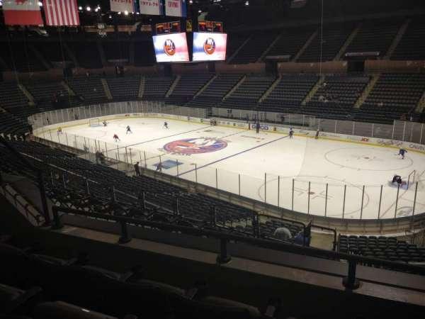 Nassau Veterans Memorial Coliseum, secção: 239, fila: 3, lugar: 4