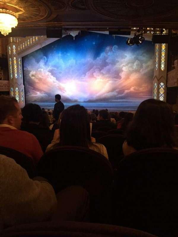Eugene O'Neill Theatre, secção: Orchestra R, fila: R, lugar: 14