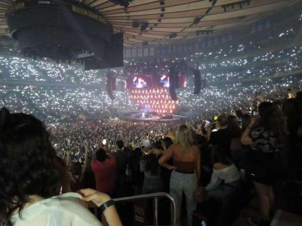 Madison Square Garden, secção: 105, fila: 18, lugar: 17