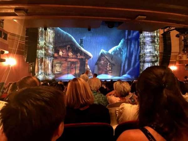 St. James Theatre, secção: Orchestra L, fila: P, lugar: 15