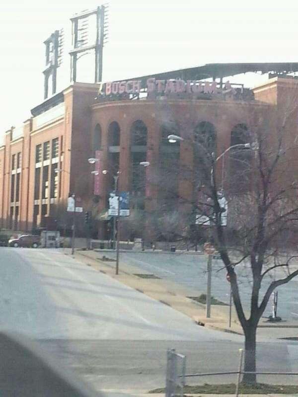 Busch Stadium, secção: Outside