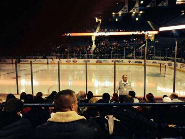 Allstate Arena, secção: 101, fila: C