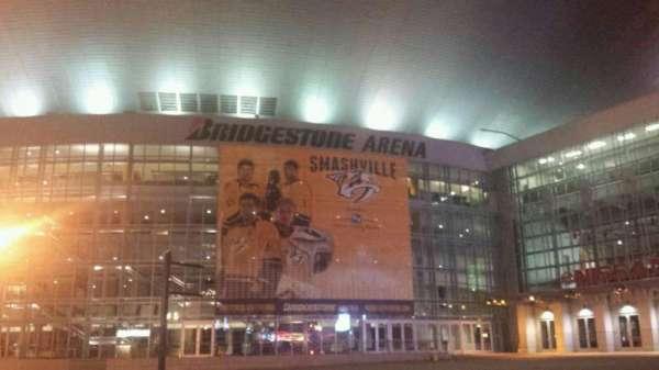Bridgestone Arena, secção: Outside
