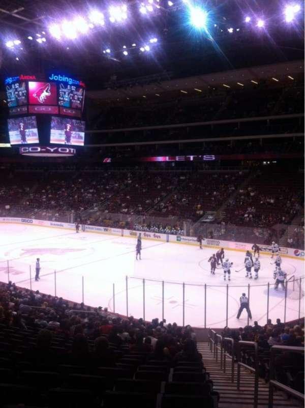 Gila River Arena, secção: 109, fila: W, lugar: 1