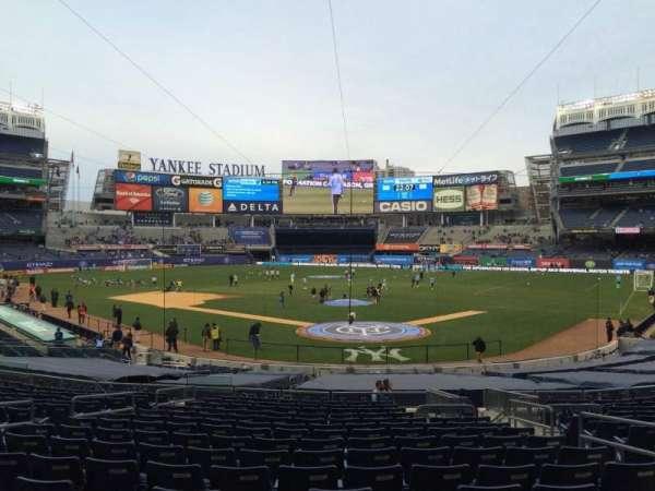 Yankee Stadium, secção: 120b, fila: 26, lugar: 4