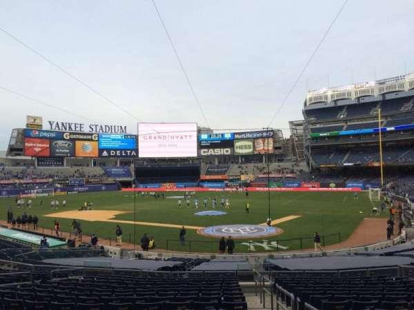 Yankee Stadium, secção: 121a, fila: 26, lugar: 1