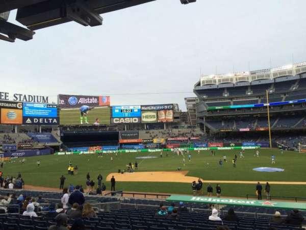 Yankee Stadium, secção: 124, fila: 26, lugar: 2