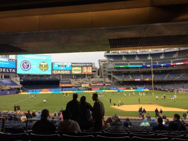 Yankee Stadium, secção: 126, fila: 30, lugar: 13