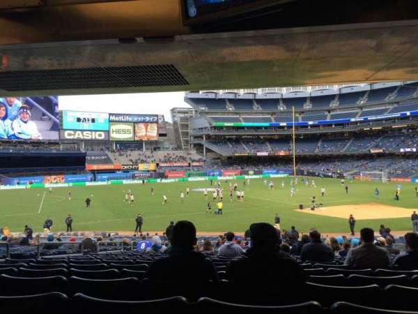 Yankee Stadium, secção: 127b, fila: 30, lugar: 9