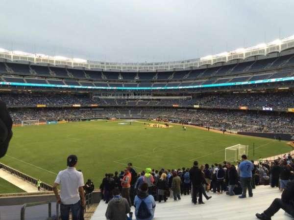 Yankee Stadium, secção: 237, fila: 24, lugar: Bleacher