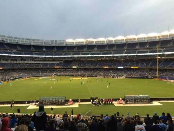 Yankee Stadium, secção: 202, fila: 23, lugar: Bleacher