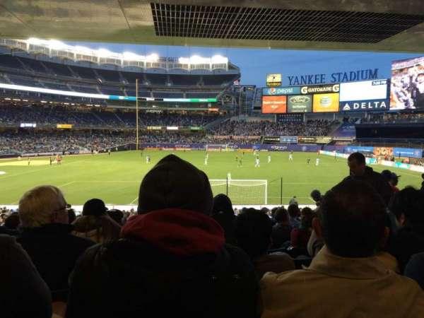 Yankee Stadium, secção: 113, fila: 30, lugar: 10