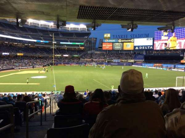 Yankee Stadium, secção: 115, fila: 30, lugar: 14