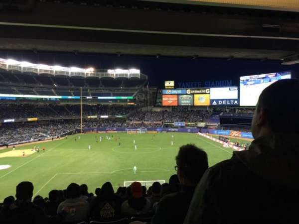 Yankee Stadium, secção: 213, fila: 23, lugar: 11