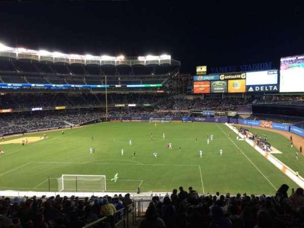 Yankee Stadium, secção: 211, fila: 19, lugar: 24