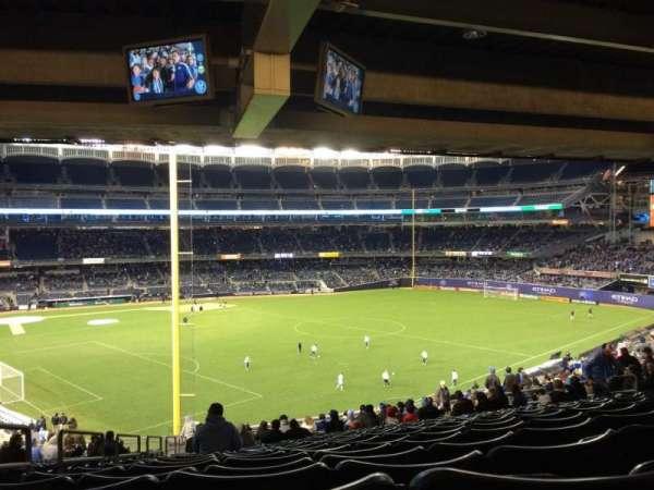 Yankee Stadium, secção: 207, fila: 22, lugar: 19