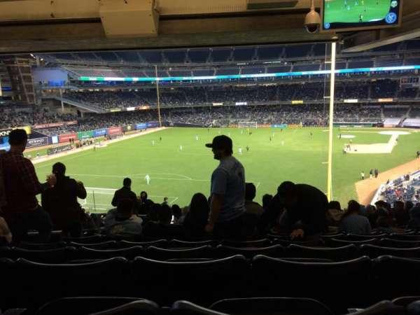 Yankee Stadium, secção: 233a, fila: 23, lugar: 13