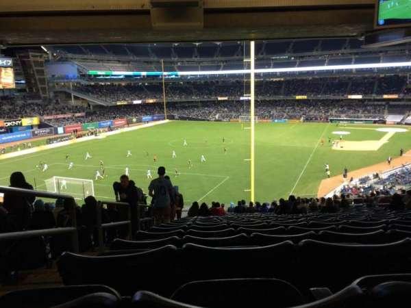 Yankee Stadium, secção: 232b, fila: 23, lugar: 17