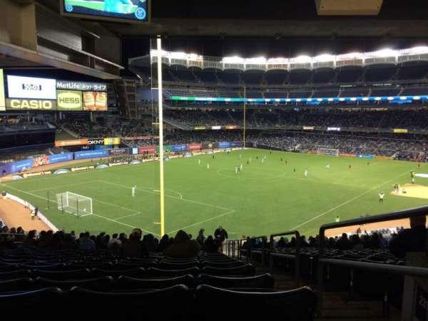 Yankee Stadium, secção: 232a, fila: 23, lugar: 1