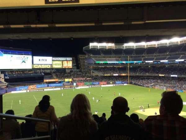 Yankee Stadium, secção: 227b, fila: 23, lugar: 22