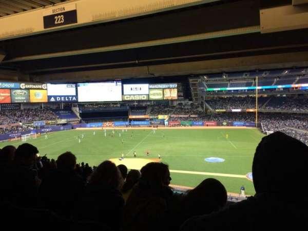 Yankee Stadium, secção: 223, fila: 24, lugar: 1