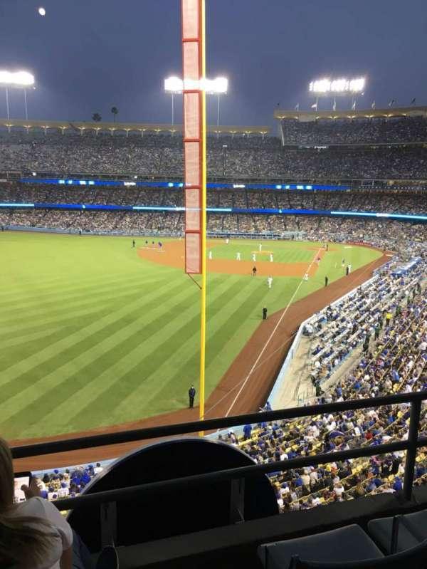 Dodger Stadium, secção: 257 Club, fila: C, lugar: 5