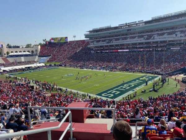 Los Angeles Memorial Coliseum, secção: 217, fila: 12, lugar: 40