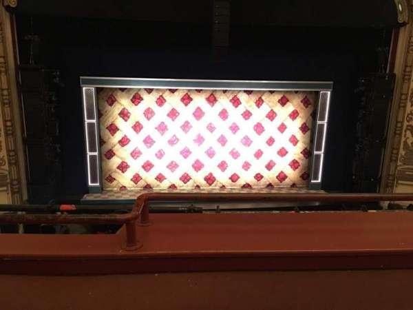 Cadillac Palace Theater, secção: LOGE C, fila: B, lugar: 312