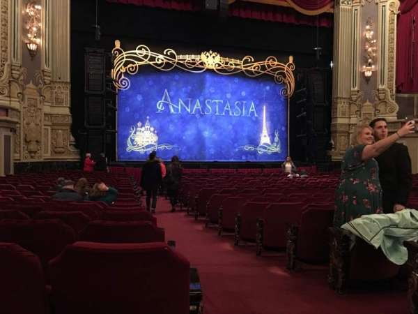 James M. Nederlander Theatre, secção: Orchestra L, fila: V, lugar: 1