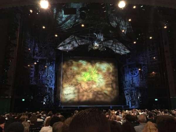 Apollo Victoria Theatre, secção: Stalls, fila: T, lugar: 33