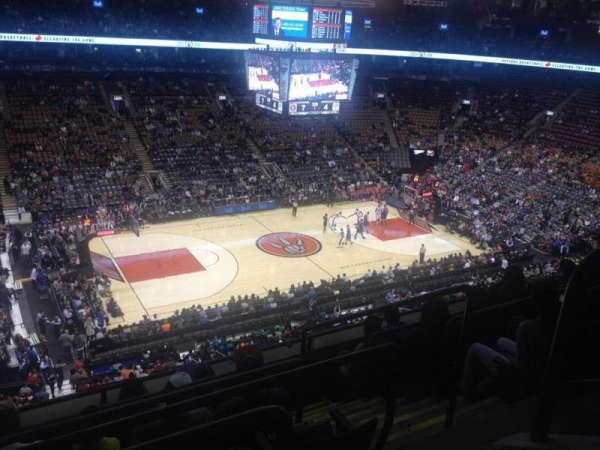 Scotiabank Arena, secção: 311, fila: 6, lugar: 2