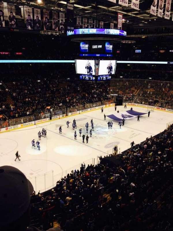 Scotiabank Arena, secção: 324, fila: 2, lugar: 11